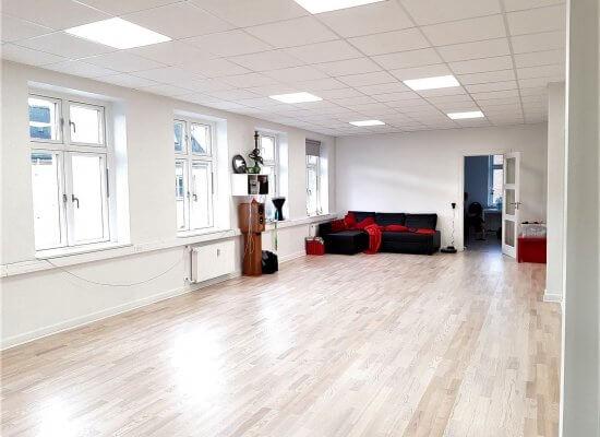 Dansesal - Lej lokalet hos Fyns mavedanserskole